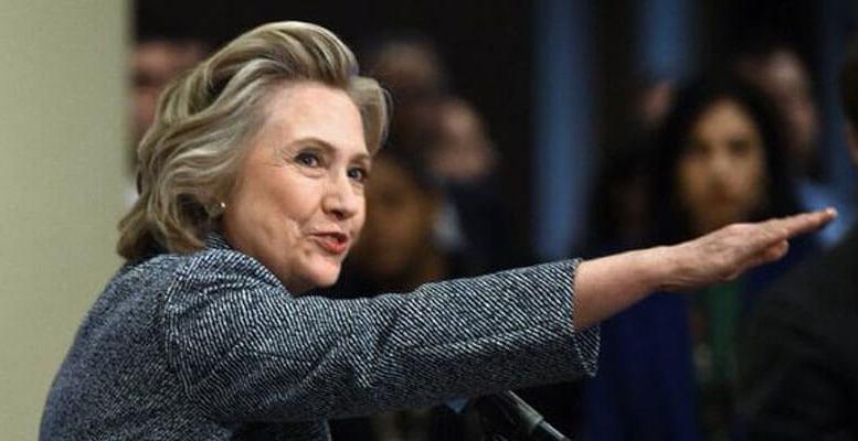 Clinton-salute